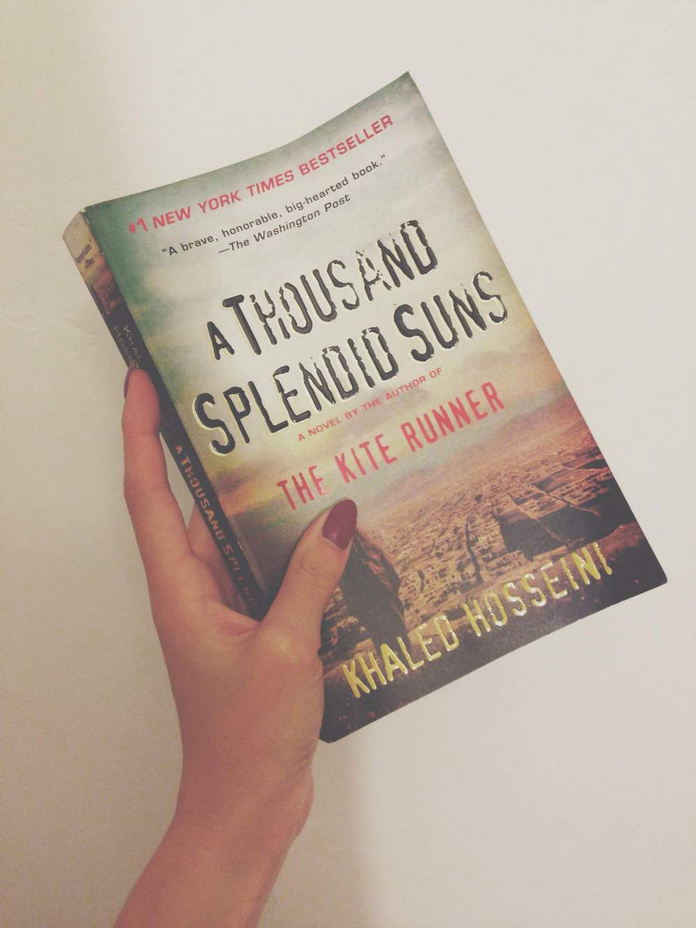 Feels-Design-Studio_A-Thousand-Splendid-Suns-Book-Design-Review-1.jpg