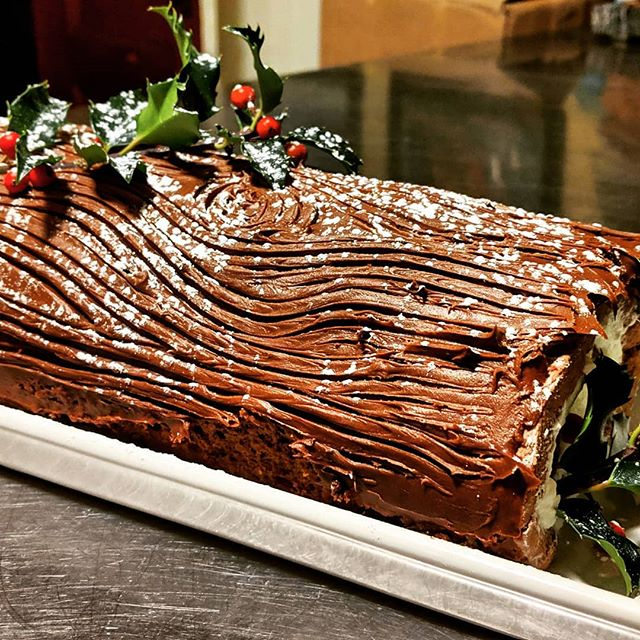 Buche de Noel! Not too shabby!