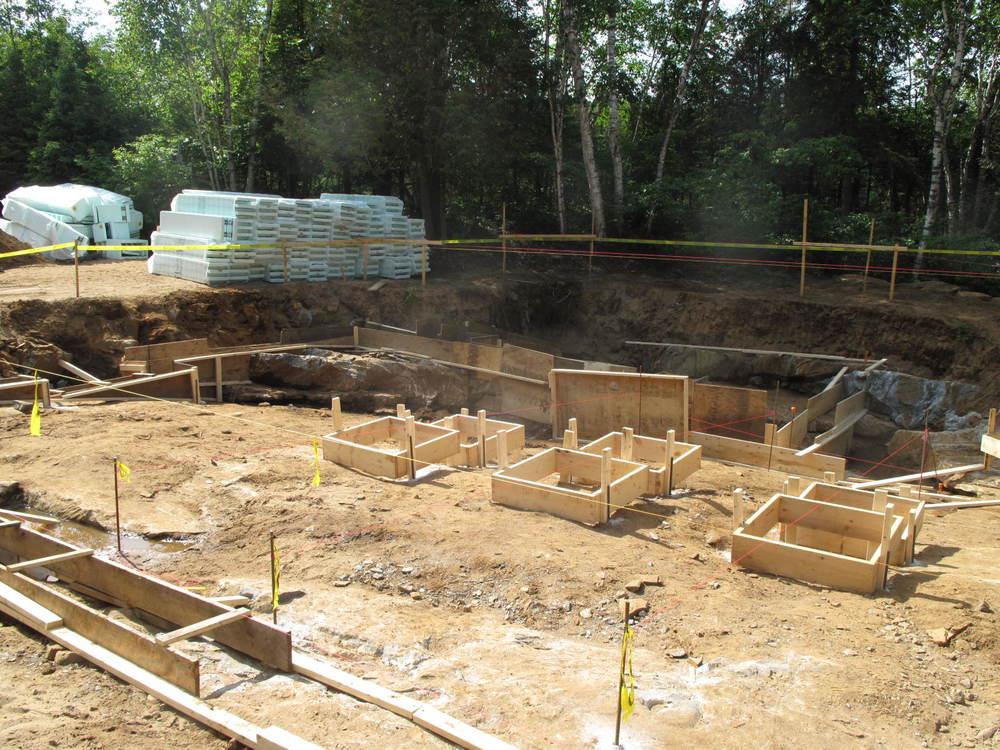 Ray & Carolyn's foundation layout.jpg