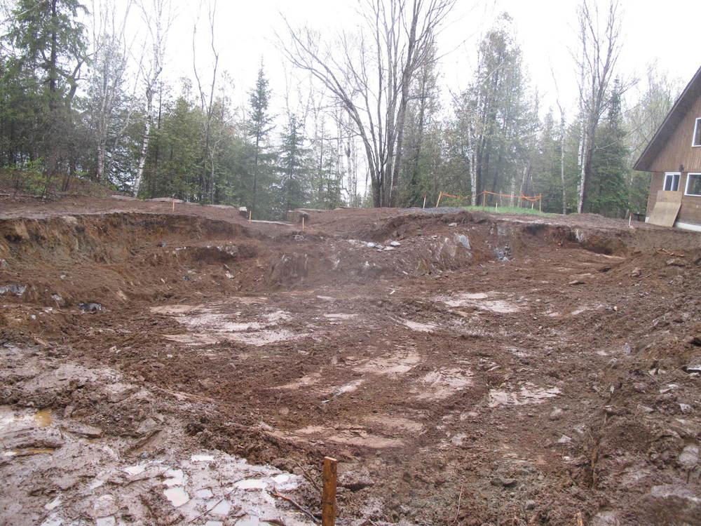 Ray & Carolyn's foundation dug.jpg