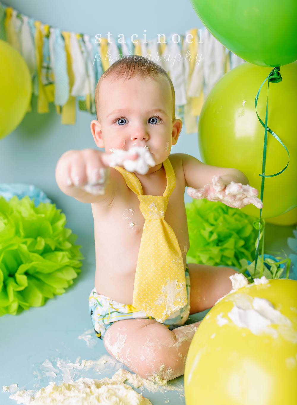 charlotte baby photographer cake smash 11