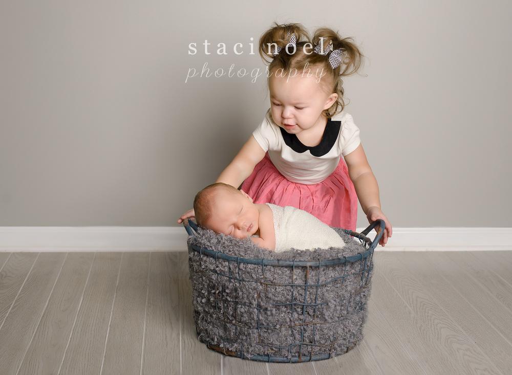 charlotte-newborn-photographer-siblings1-2.jpg