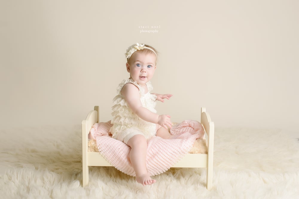 babygirl6monthportrait.stacinoel.4.jpg