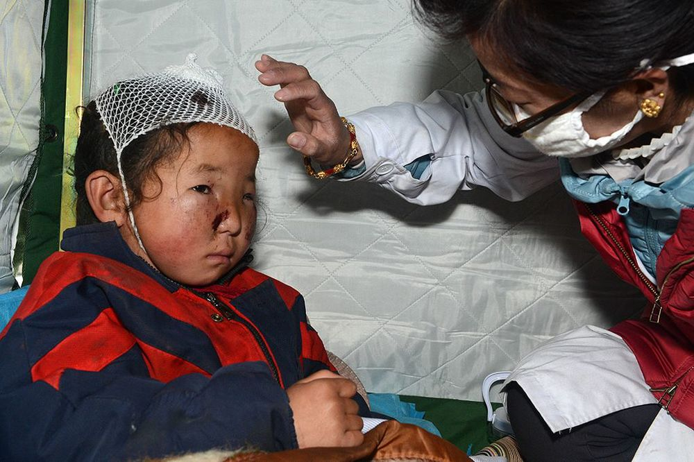 Nepal earthquake child patient.jpg