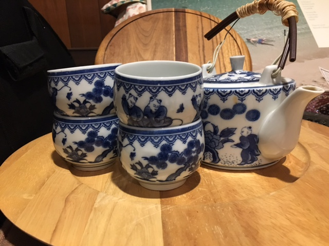 Ceramic Tea set with bowls