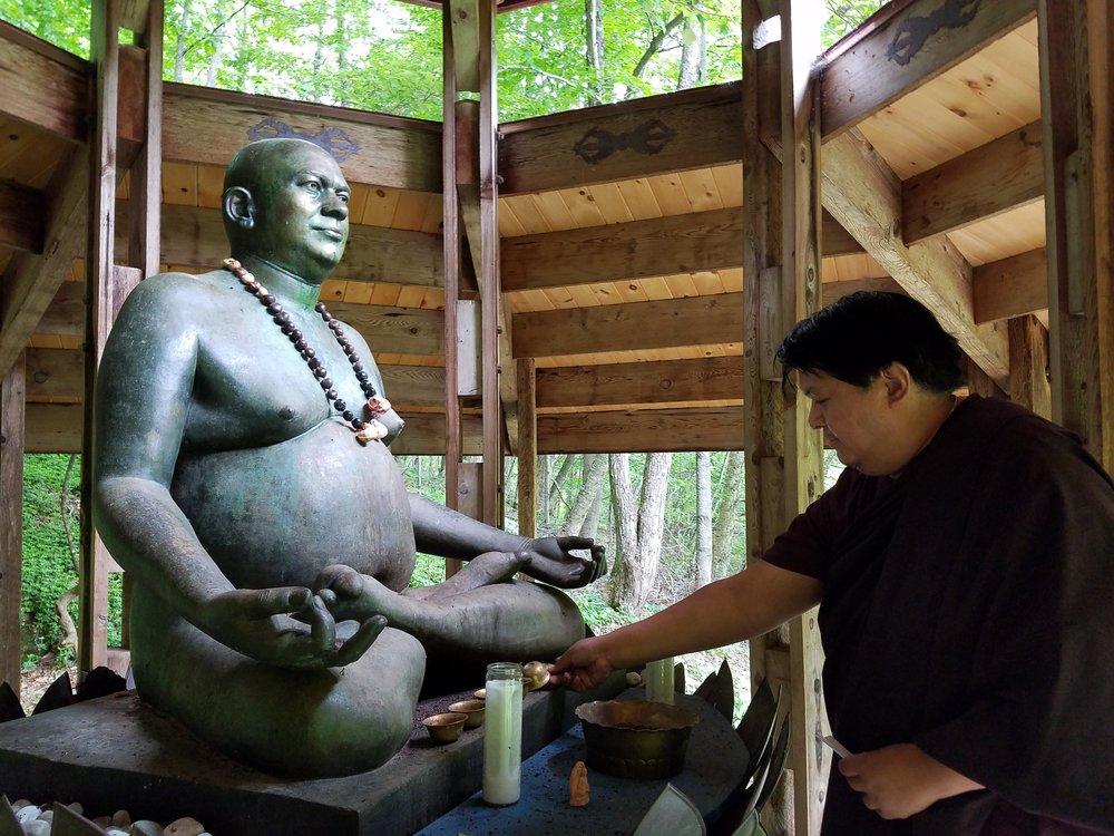 H.E. Tulku Namgyal Dawa Rinpoche visiting the Rudi Shrine