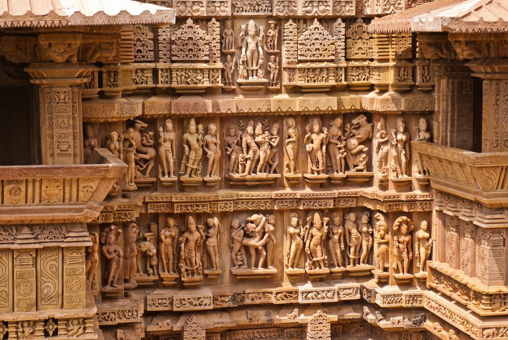 11. Lakshamana Temple
