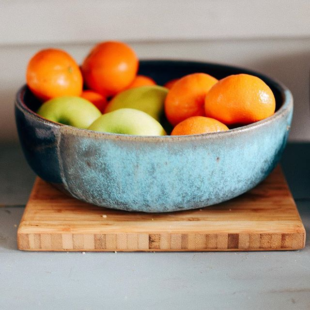 Bowls on website are this big... ✨free shipping on bowls within the US.✨ Soilandtoil.com Photo credit: @tinylicious.co