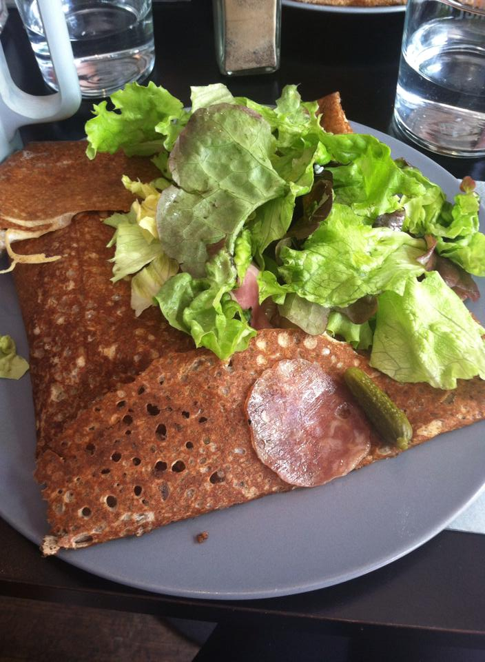 French lunch crêpe filled with fresh vegetables