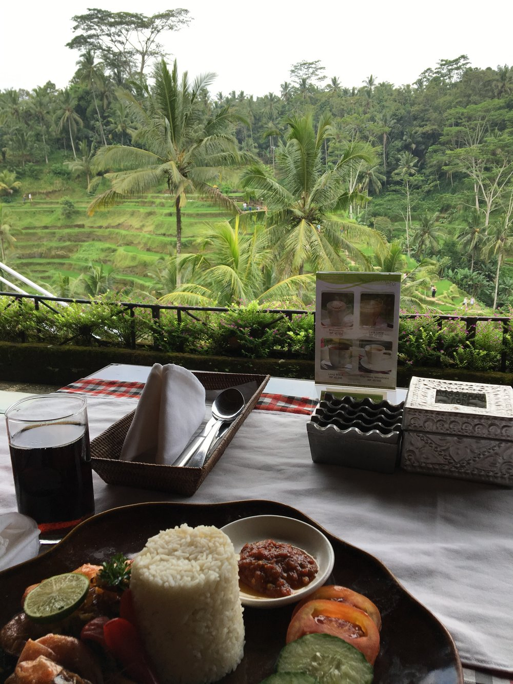 Lunch of prawns, rice, and vegetables on the Tegallalang Rice Terraces