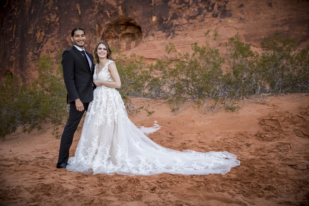Valley of Fire Wedding Photography - Hector and Emily (4 of 22).jpg