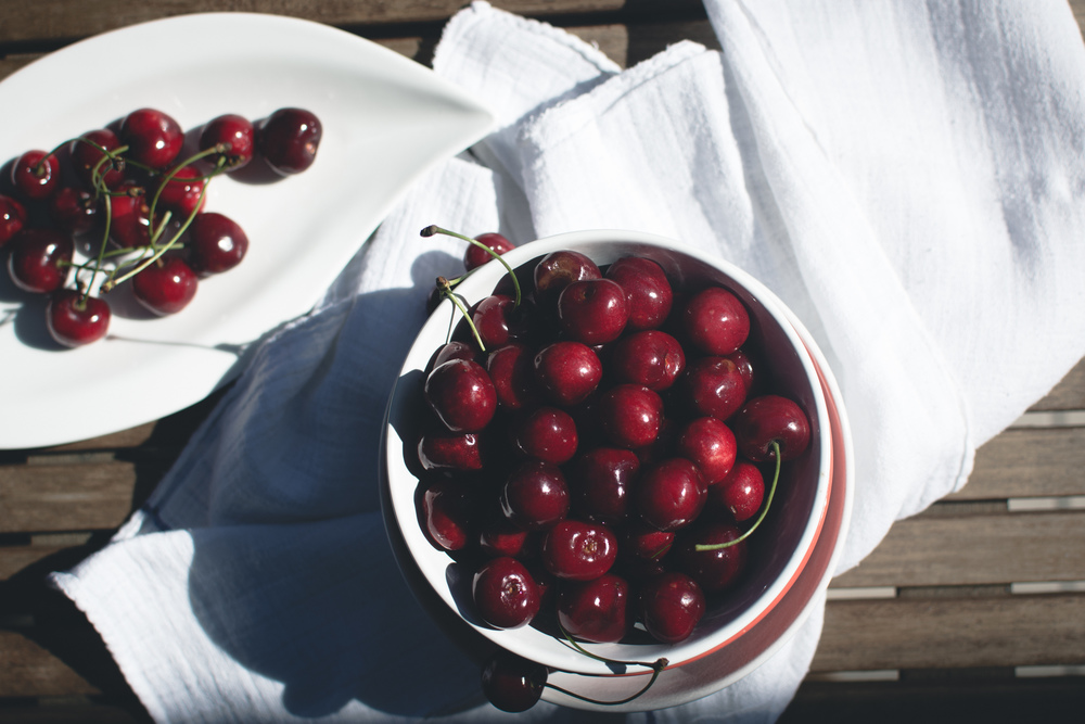 foodiesfeed.com_fresh-cherries2.jpg