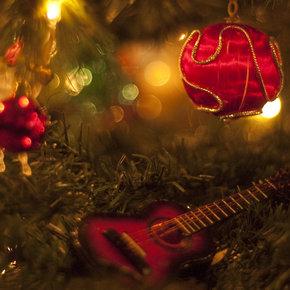 A Ukulele For Christmas (instrumental) by Lee Rosevere.jpg