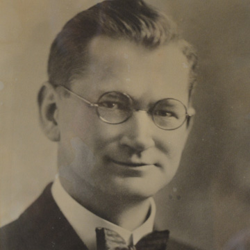 Pastor Henry Kowert   1917 – 1944