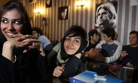 Tehranis <3 Kurt Cobain
