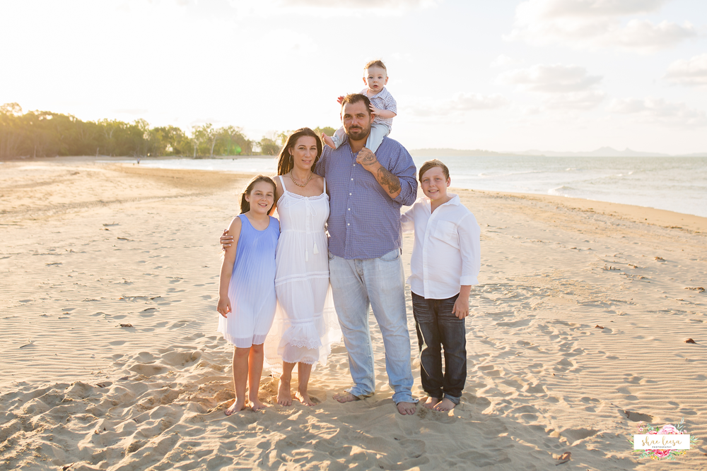 Mackay Family Photographer.png