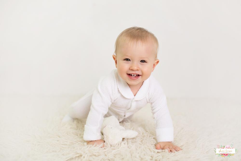 Mackay Baby Photographer.png