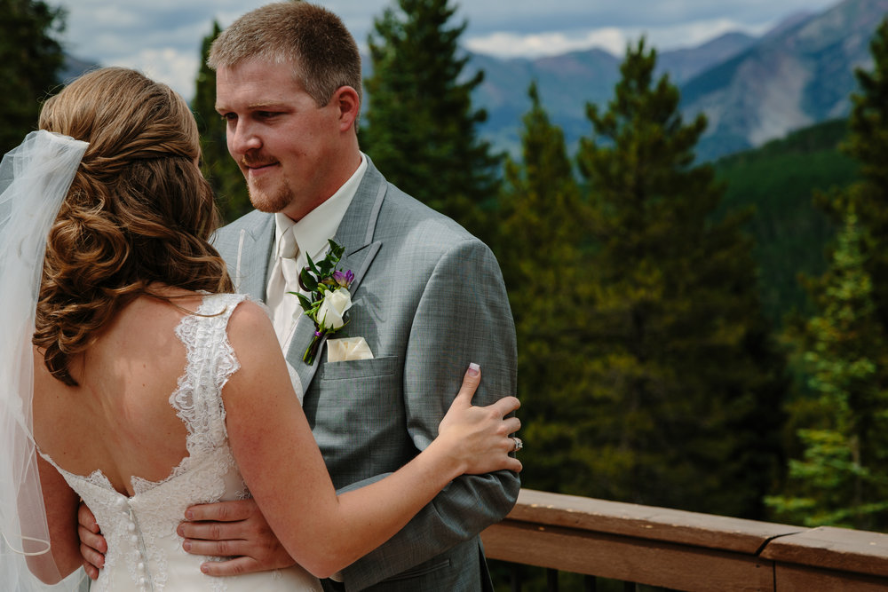 crested-butte-wedding-photographer-uleys-cabin.jpg