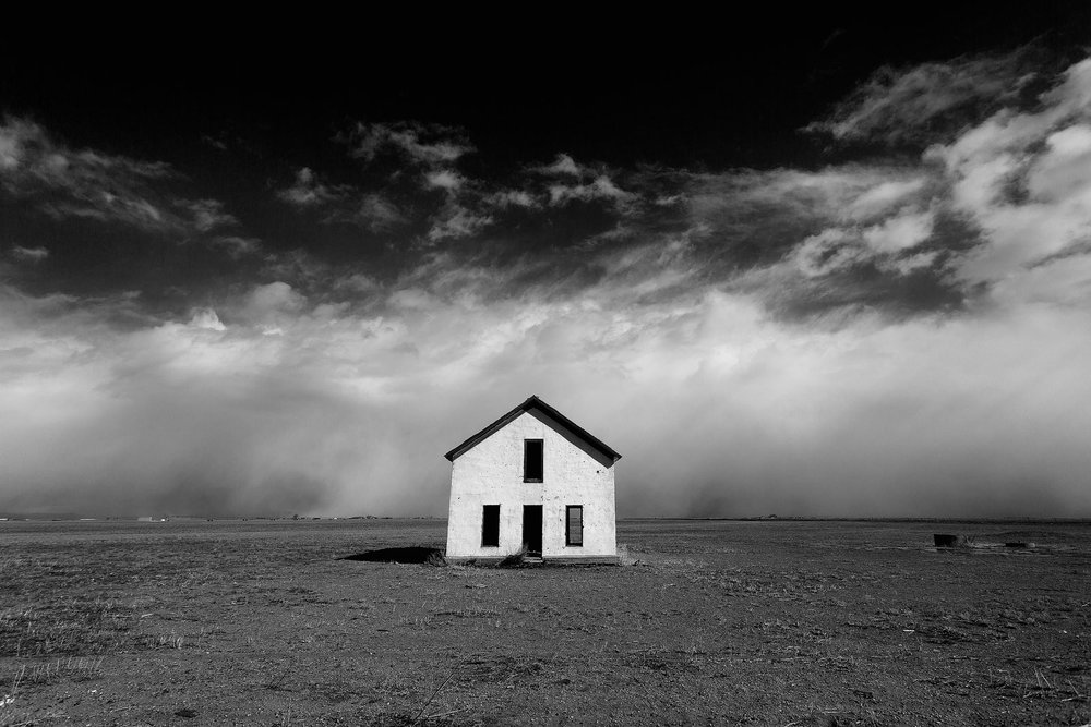 abandoned-house-sand-dunes-colorado.jpg