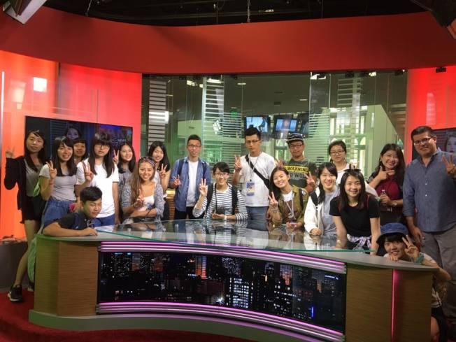 學員實際參加電視節目錄影作業。