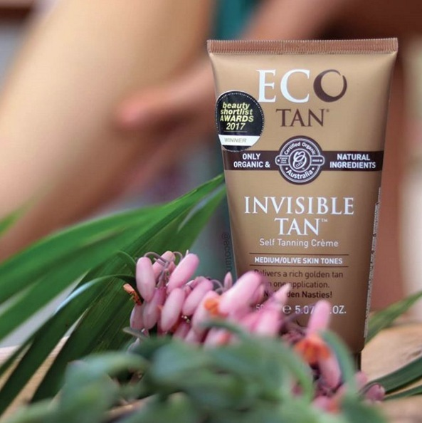 We love the @ecotan Invisible Tan as it applies like a moisturiser and develops a beautiful honey bronze glow within just 8 hours. A quick tip is to put it on after your nightly shower and wake up with a gorgeous bronzed glow. Shop in-store or online now through the link in our bio.