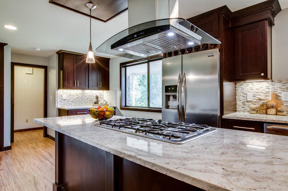 kitchen_main_stove9304-SW-53rd-Ave040webres.jpg
