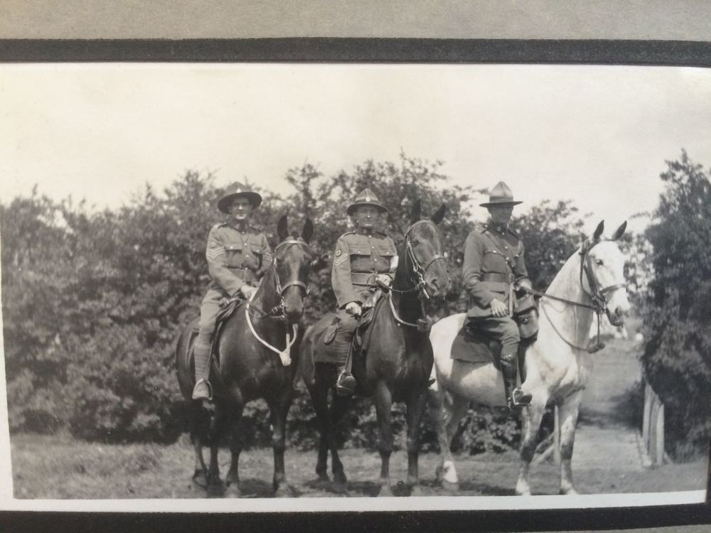 Joseph (Joe) McBride shown in the middle. On return from Gallipoli, the horses weremostly shot, rather than bring them backor leave them to go hungry.