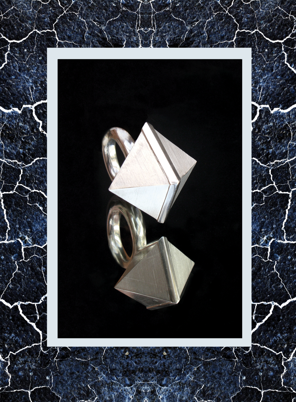 Simone-Brewster--cuboid-silver-id2.png