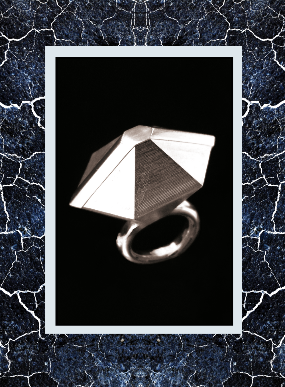 Simone-Brewster-large-crystal-silver-id2.png