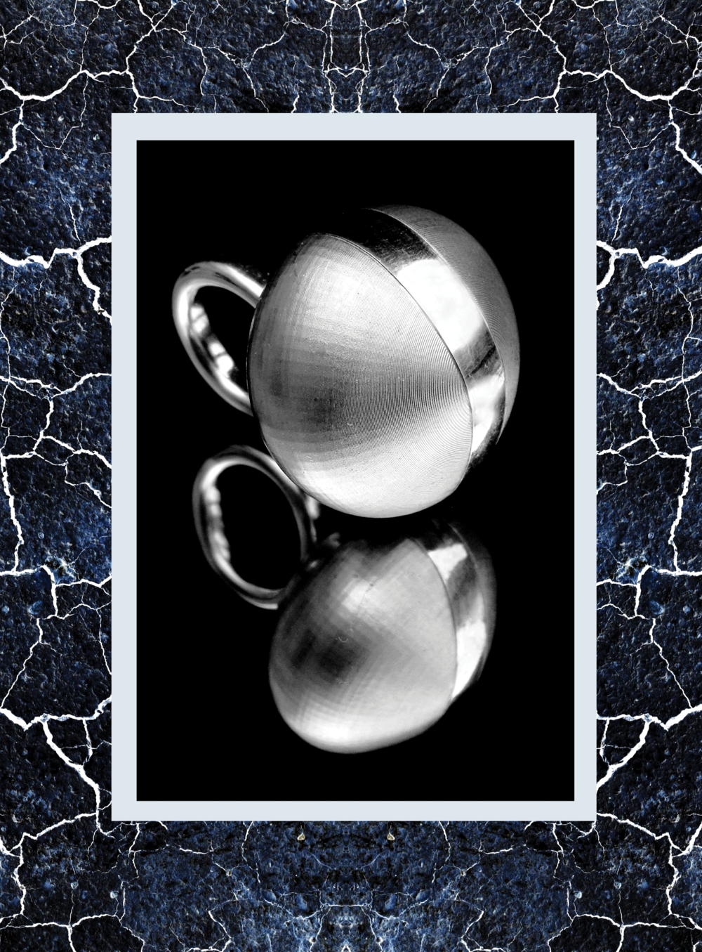 Simone-Brewster-large-orb-silver-id2.png