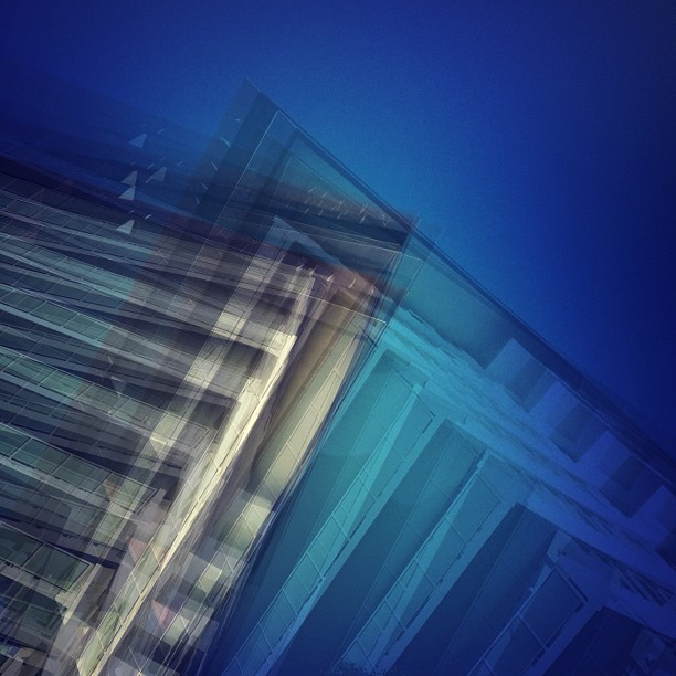 #vertigo #streetphotography #mobilephotography  (Taken with  instagram )