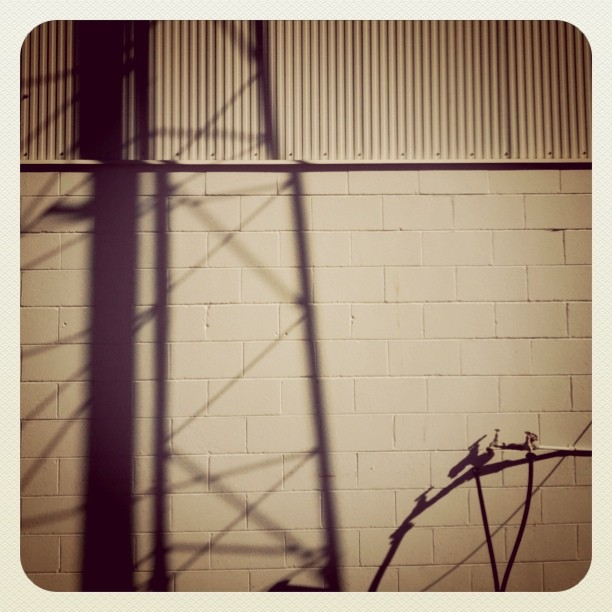 #roadtrip #walls #shadows  (Taken with  instagram )