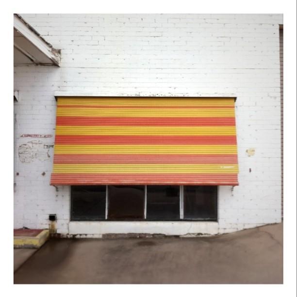 #windows #roadtrip  (Taken with  Instagram  at Hollbrook Bakery)