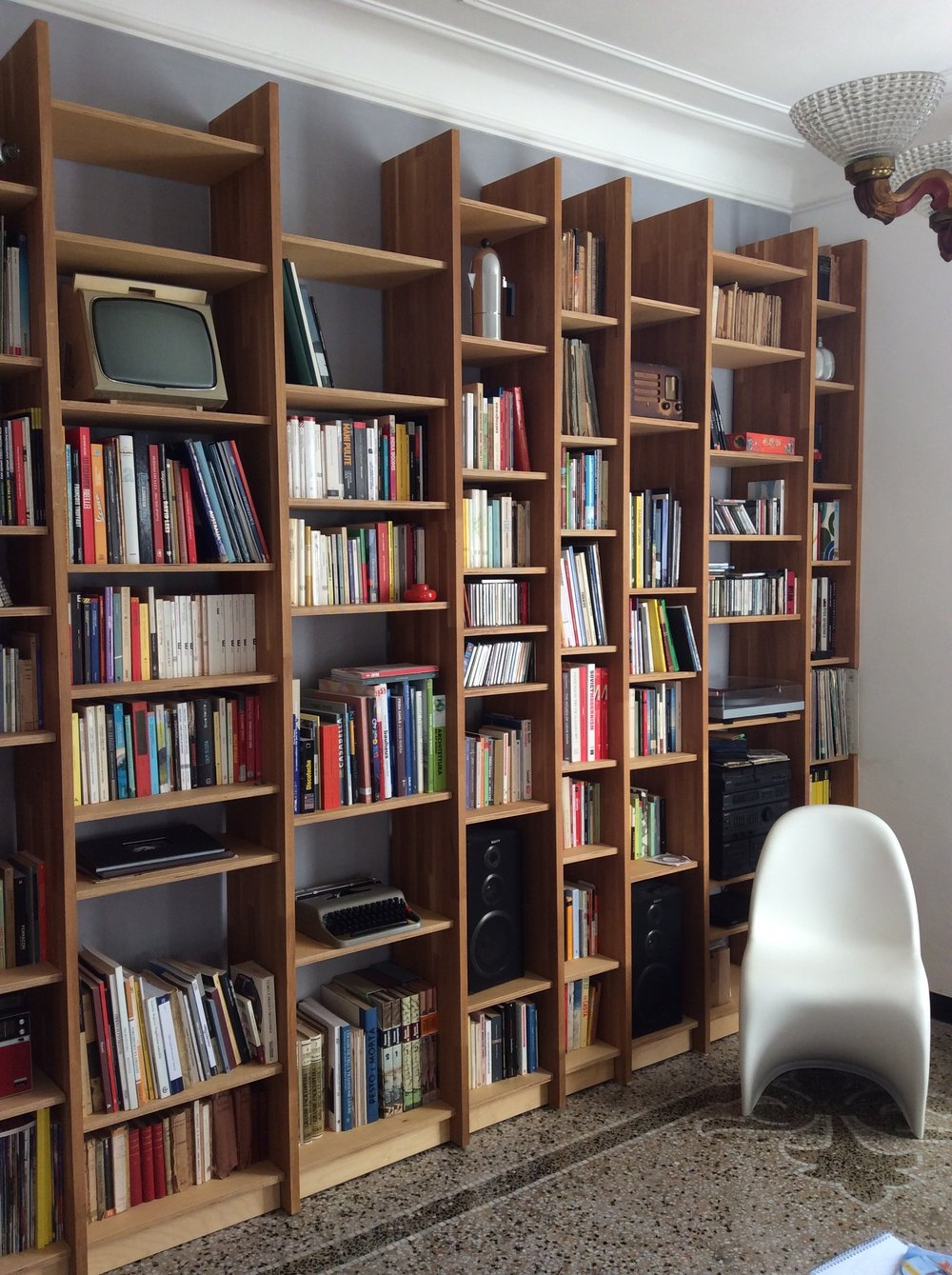 llabb_MM.L, bookshelf_2013