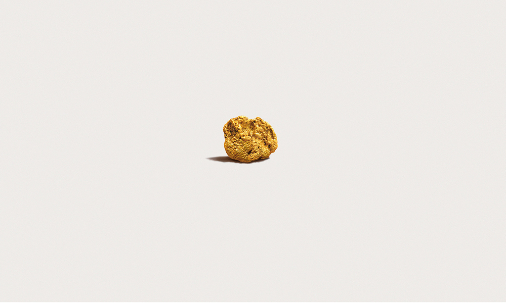 Andrea Galvani © 2015 Llevando una pepita de oro a la velocidad del sonido #0, California gold nugget, 12 x 15 x 8mm, 9 grams, 24 karats. Courtesy of the artist.