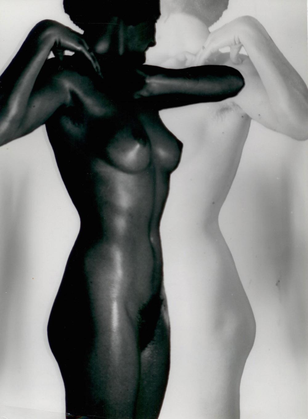 Schwarz-Weiß Akt, Vorstudie (Black & White Nude, Preliminary Study), 1930/1936