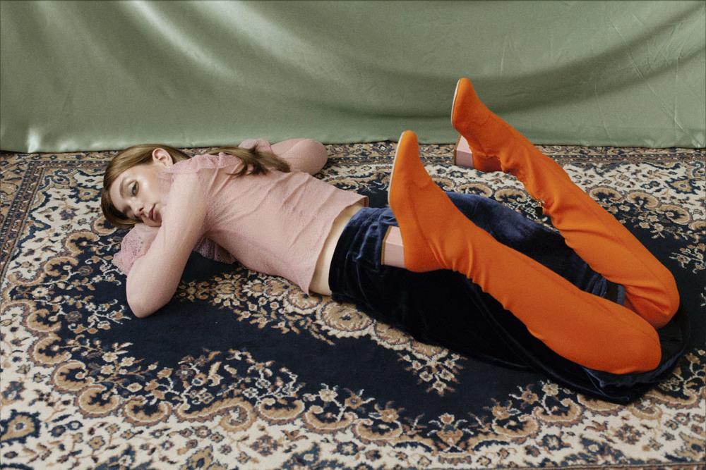 shirt NAYA REA skirt MARKUS LUPFER boots CHIARA FERRAGNI