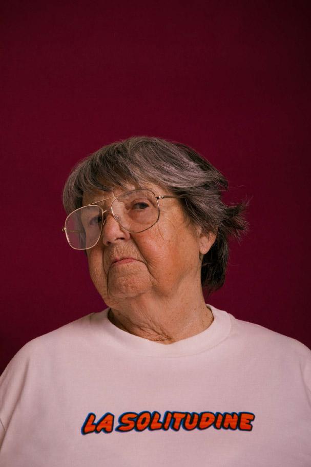 t-shirt   SUNNEI   glasses  STYLIST'S OWN