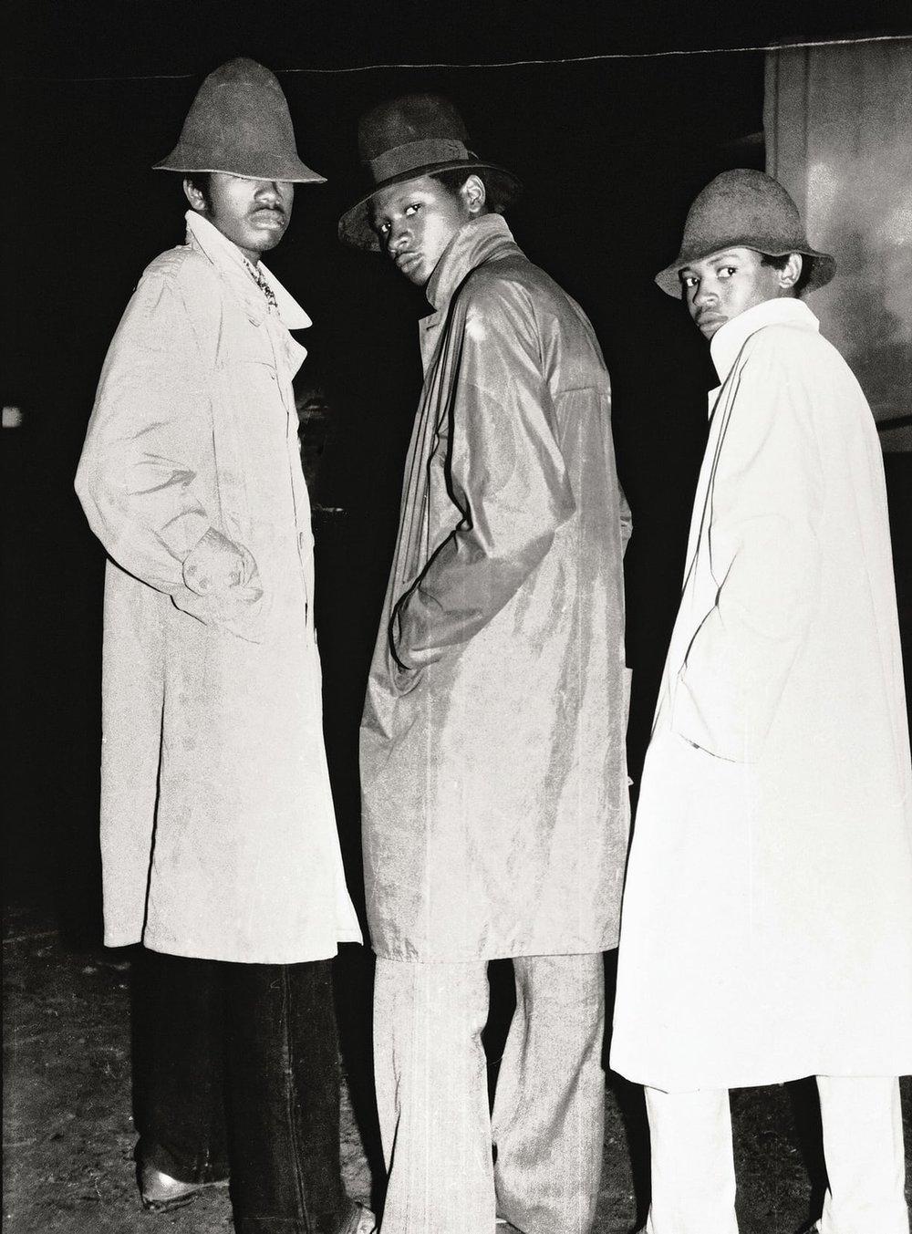 Les Faux Agents du FBI, 1974 © Malick Sidibé/Collection André Magnin