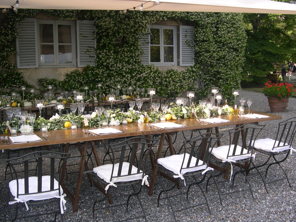 Villa Monica (long tables).JPG