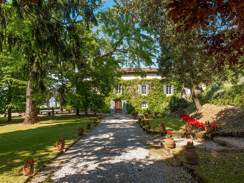 Villa Monica - For a civil ceremony in the hills of Lucca Villa Monica is a beautiful estate sleeping a total of 70-80 guests. Read More...