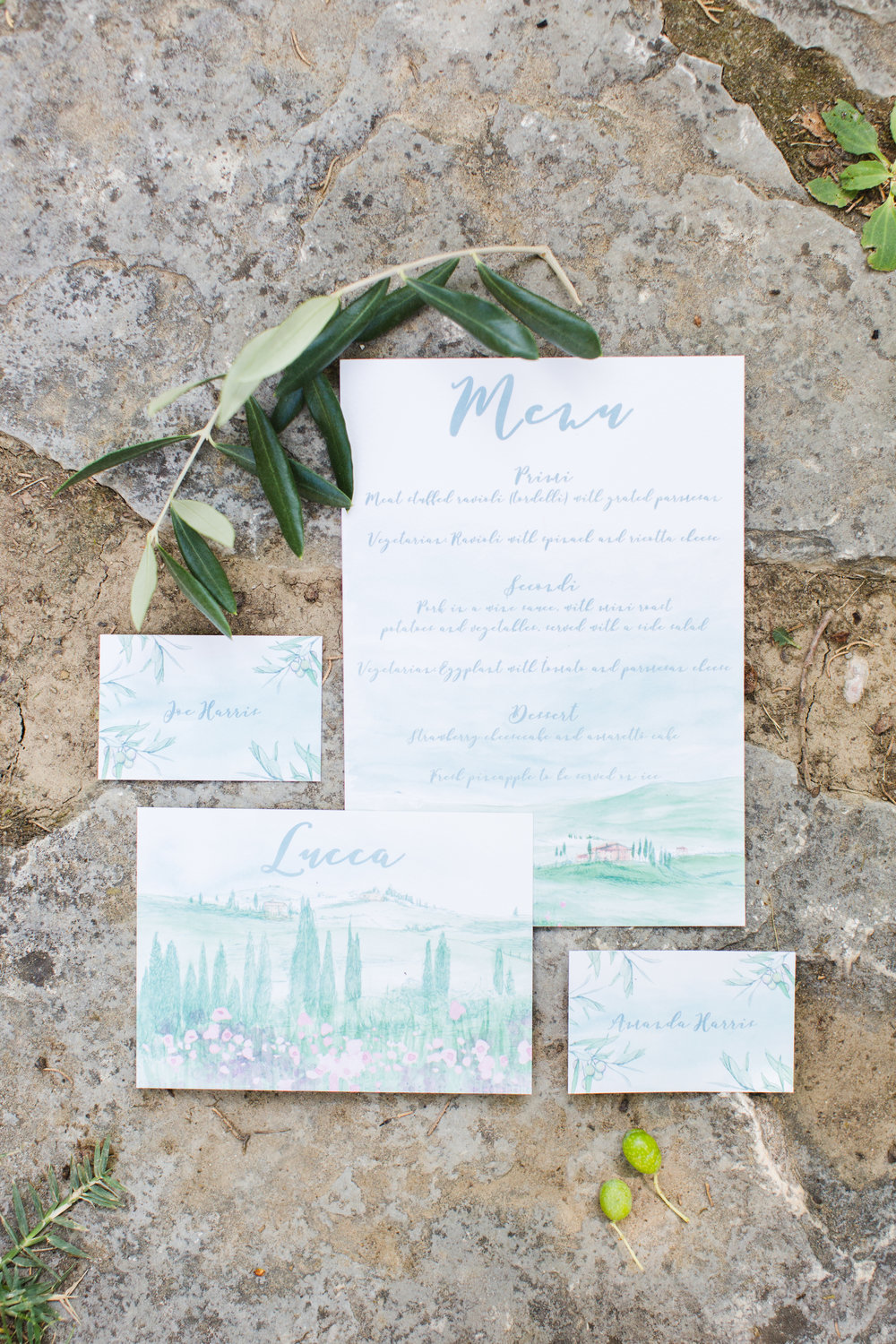 Photography by Cecelina Photography  Stationery by Hand Drawn by Katie