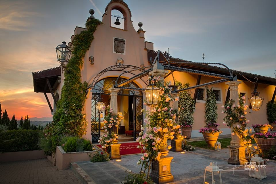 Villa Carla, Florence - An impressive event space close to Florence. This stunning backdrop is best suited to large wedding parties of over 100 guests. It's possible to celebrate both a civil or s symbolic ceremony onsite within the grounds.Read More...