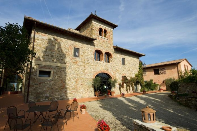 Villa Ilaria, Florence - A charming farmhouse with onsite accommodation for 40. Just a short stroll from the hart of Greve in Chianti.Read More...