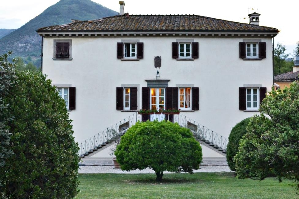 Hotel Daniela, Lucca - A boutique villa hotel on the outskirts of Lucca. Onsite accommodation for 36, including a converted chapel bridal suite.Read More...