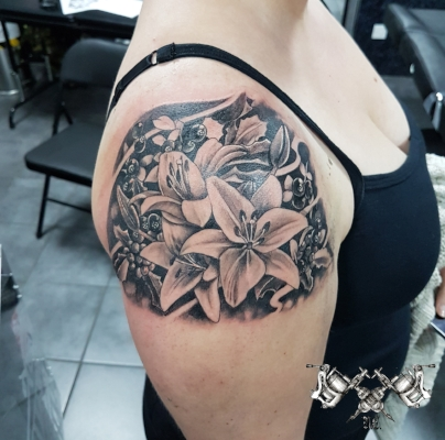 Lilly Tattoo Morden