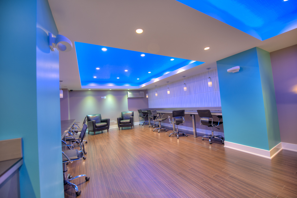 Business Center With Free Wi-Fi    SAVE $300 TODAY  Call: (773) 236.8872