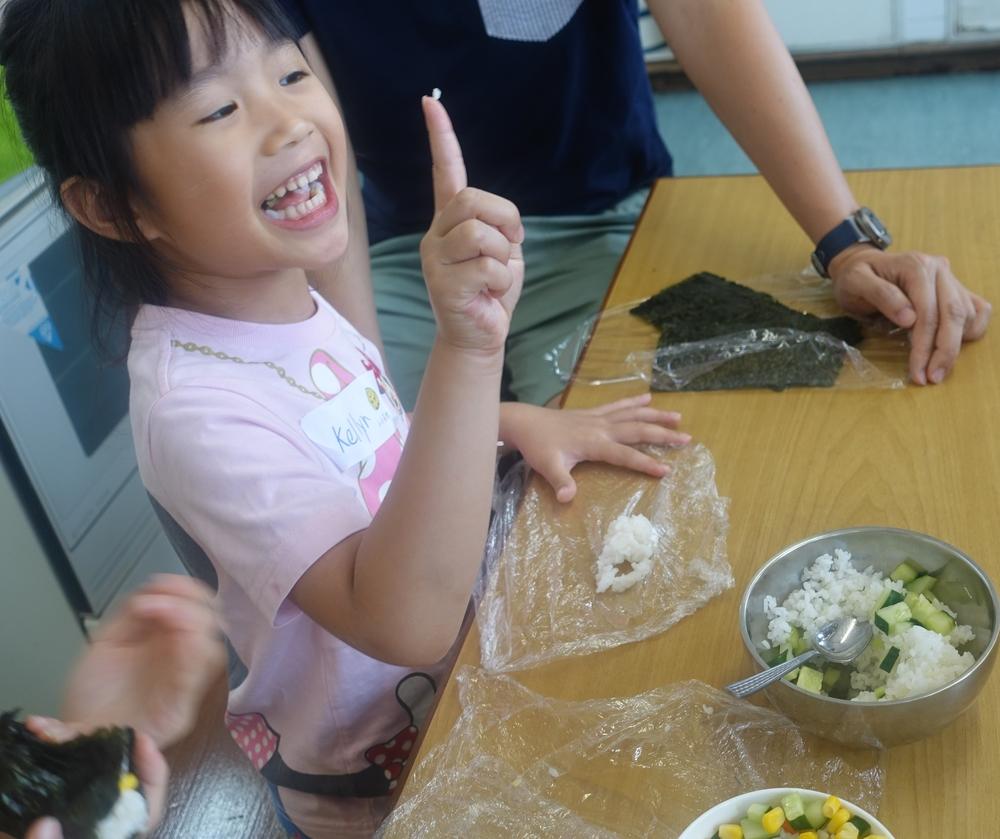 DSC04086 sushi making.JPG