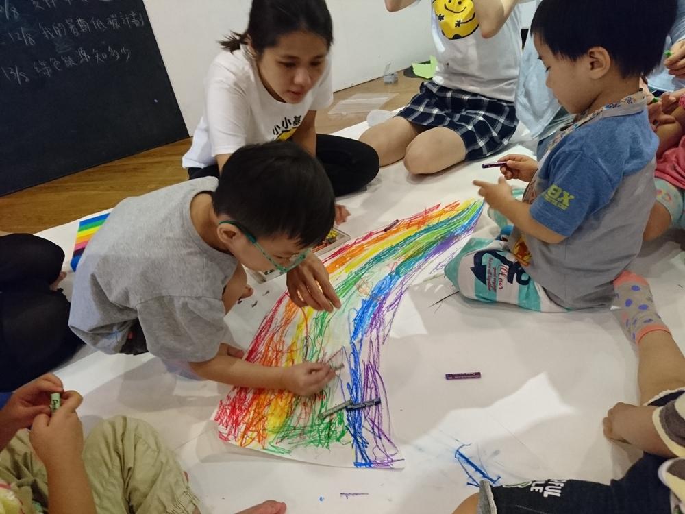DSC_1549 draw a rainbow.JPG