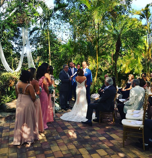 Today's beautiful wedding at @themillerestate! Ceremony and Cocktail service with Electric Violin and Sax! Congratulation to Mr and Mrs Digregorio-Sandoval. #livemusic #weddingwire #music #ceremony #vendors #weddingceremony #weddings #southbeach #miamibeach #florida #perfectwedding #booking #entretenimiento #events #floridabride #realweddings #themillerestate #weddingplanners #luxuryweddings #unique #planner  #bestweddings  #southfl #thebestmusic  #bride #miamiweddings #bestmusic #2018 Visit our website for the best options in music for you event! www.libermusicevents.com
